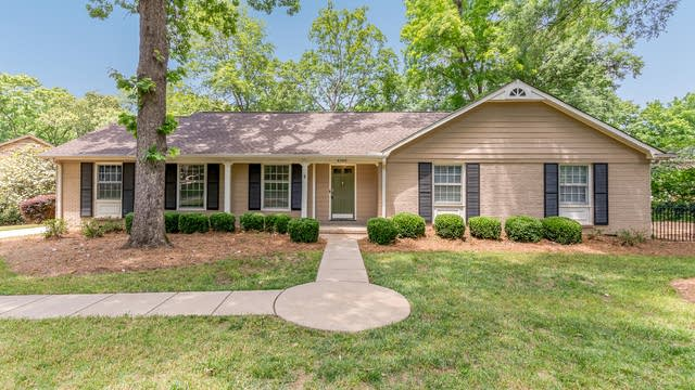 Photo 1 of 22 - 6908 Queensberry Dr, Charlotte, NC 28226