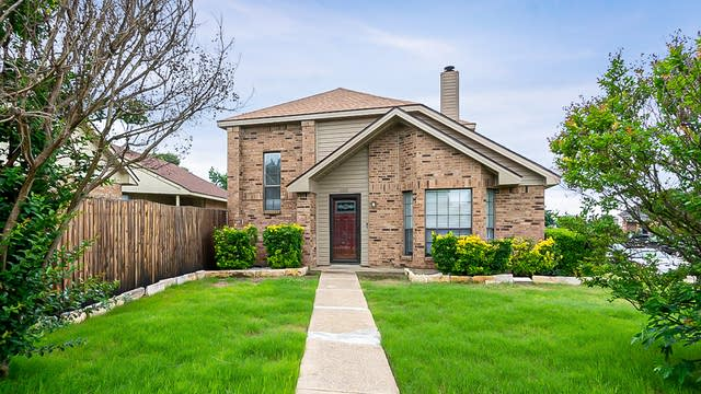 Photo 1 of 25 - 1602 Doubletree Dr, Mesquite, TX 75149
