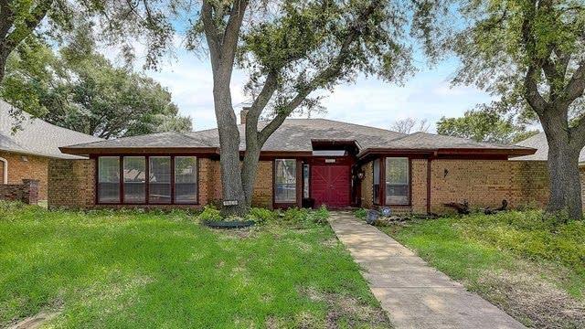Photo 1 of 40 - 10018 Lawler Rd, Dallas, TX 75243
