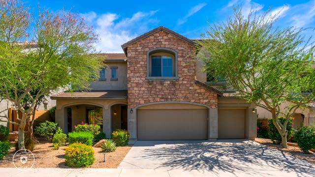 Photo 1 of 30 - 9035 W Red Fox Rd, Peoria, AZ 85383