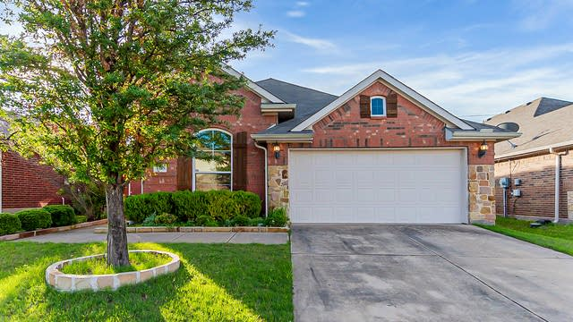 Photo 1 of 24 - 1105 Lone Pine Dr, Little Elm, TX 75068