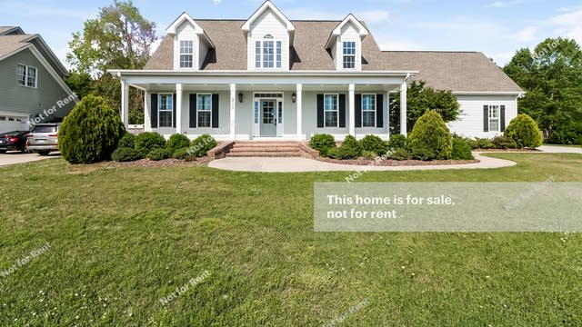 Photo 1 of 27 - 153 Claire Dr, Clayton, NC 27520