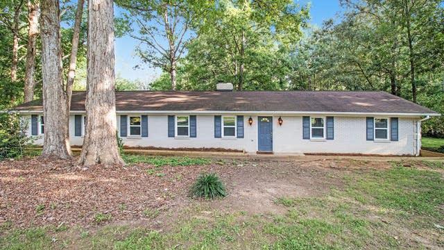 Photo 1 of 16 - 909 White Oaks Cir, Monroe, NC 28112