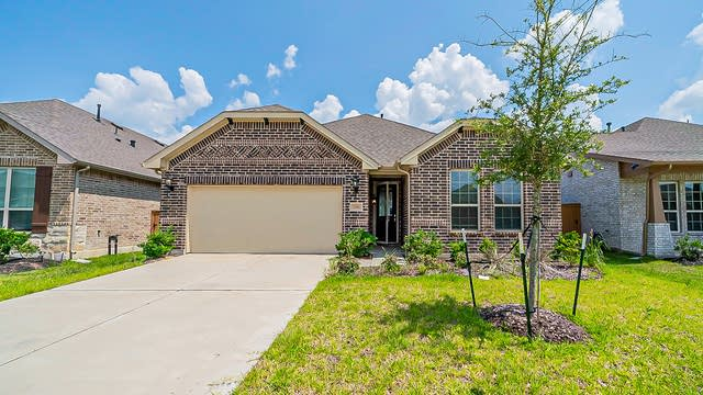 Photo 1 of 31 - 12502 Sabine Point Dr, Humble, TX 77396