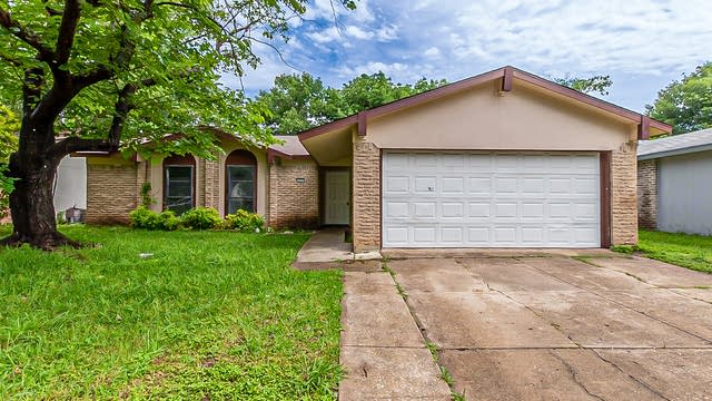 Photo 1 of 19 - 12117 Squire Dr, Balch Springs, TX 75180