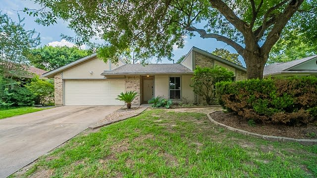 Photo 1 of 29 - 15707 Firthridge Ct, Webster, TX 77598