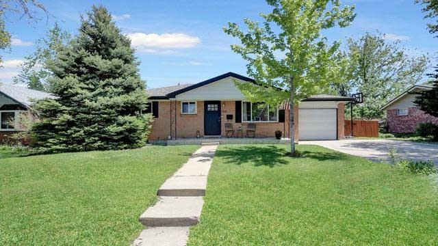 Photo 1 of 17 - 1536 S Dover Ct, Lakewood, CO 80232