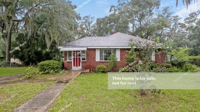 Photo 1 of 27 - 7504 N Shore Dr, Jacksonville, FL 32208