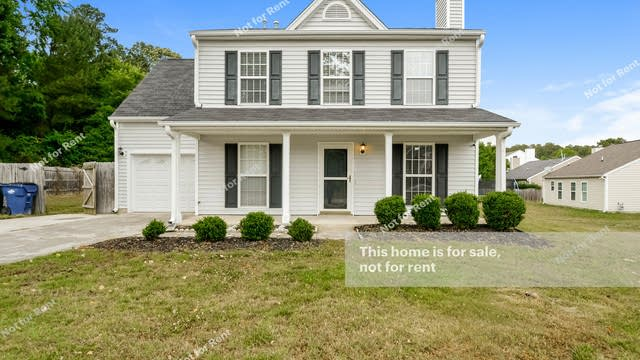 Photo 1 of 25 - 5104 Croftwood Dr, Raleigh, NC 27616