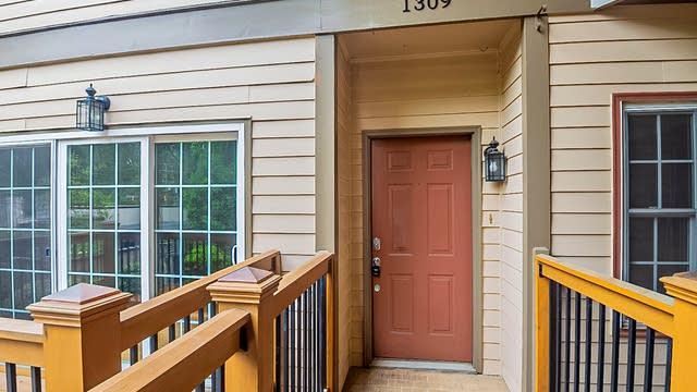 Photo 1 of 12 - 1309 Stillwood Chase NE, Atlanta, GA 30306