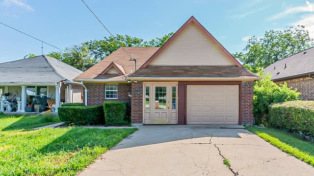 Photo 1 of 44 - 804 E Aimee St, Forney, TX 75126