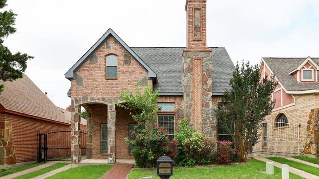 Photo 1 of 27 - 534 Rebecca Dr, Cedar Hill, TX 75104