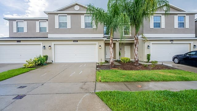 Photo 1 of 28 - 15207 Great Bay Ln, Orlando, FL 32824