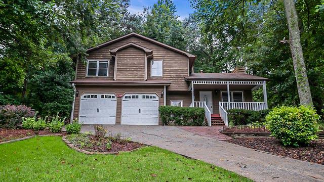 Photo 1 of 23 - 991 Thousand Oaks Dr, Lawrenceville, GA 30043