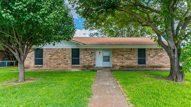 Photo 1 of 21 - 6800 Constitution Dr, Watauga, TX 76148