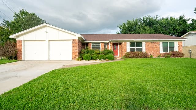 Photo 1 of 20 - 5524 Susan Lee Ln, North Richland Hills, TX 76180