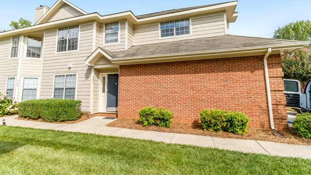Photo 1 of 19 - 5831 Amity Springs Dr, Charlotte, NC 28212