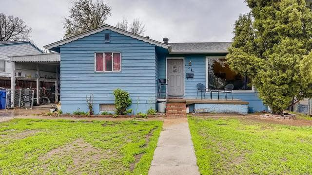 Photo 1 of 12 - 1749 S Clay St, Denver, CO 80219