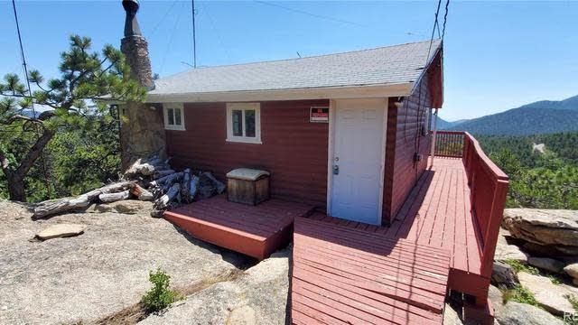 Photo 1 of 23 - 11528 Overlook Rd, Golden, CO 80403