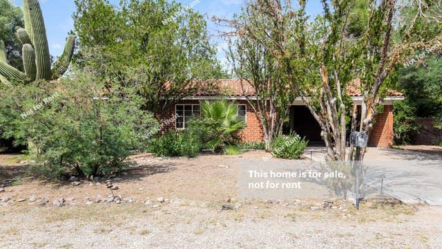 Photo 1 of 25 - 3931 E Whittier St, Tucson, AZ 85711