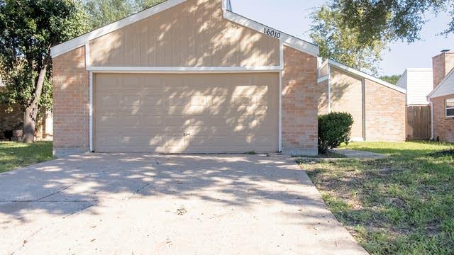 Photo 1 of 25 - 16010 Bear Hill Dr, Houston, TX 77084