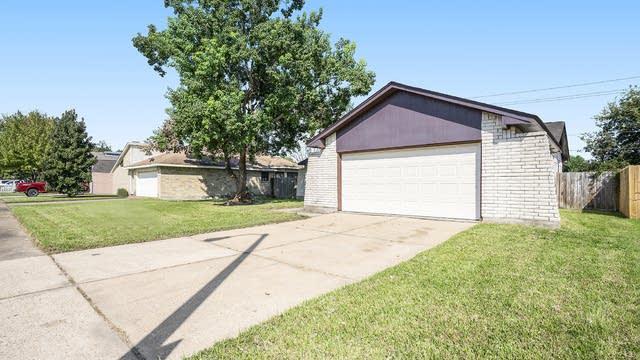 Photo 1 of 17 - 3802 Garrett Blvd, Deer Park, TX 77536